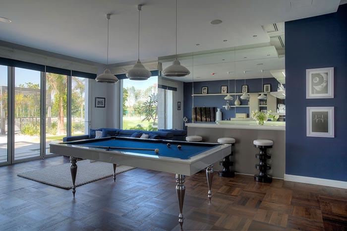 Wood fragile construction pool table